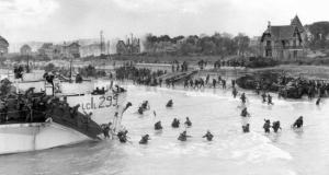 Canadian troops landing on Juno Beach. (Imaginary Wars)