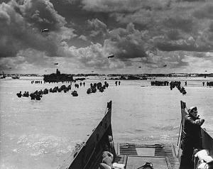 American soldiers wade ashore on Utah Beach. (skylighters.org)