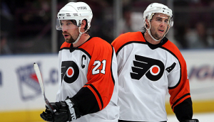 Simon Gagne produced his best numbers when paired with Peter Forsberg and Mike Knuble. (Melohart.com)