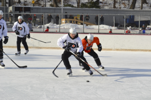 The Flyers enjoyed a fun day outdoors in Central Park. (CSN Philly)