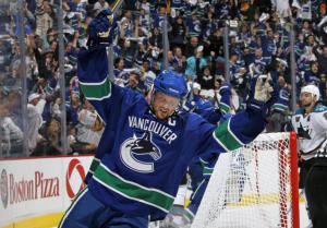 Henrik Sedin scored the game winner for the Vancouver Canucks Sunday night. (Jeff Vinnick/NHLI)