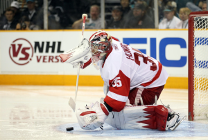Jimmy Howard's Game 5 performance helped set up the Red Wings' third period comeback. (Ezra Shaw/Getty Images)