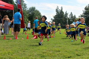 Students in kindergarten through second grade run laps. Unionville is one of 1,300 schools across the United States to take part in the yearly program. (Candice Monhollan)