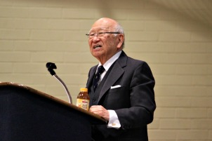 John Fuyuumo speaks to Fugett Middle School seventh graders about when he and his family were forced into an internment camp during World War II before transferring east to New Jersey. (Candice Monhollan)