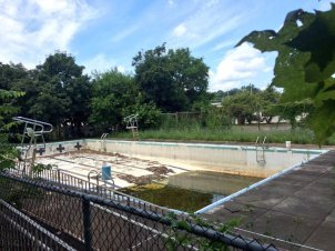 The Charles A. Melton Arts and Education Center in West Chester is trying to raise $250,000 to renovate and repair its pool that has been closed for 15 years. (Pete Bannan)